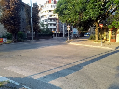 Hit by  car on a pedestrian road…(...Pleven, Bulgaria…)